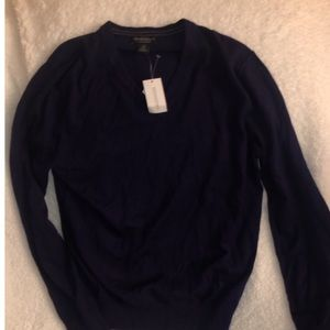 Banana Republic (luxury brand) sweater